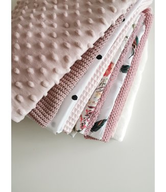 Scrap Fabric Package - Pink