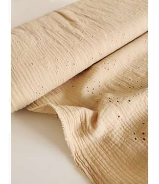 Swaddle Embroidery Beige