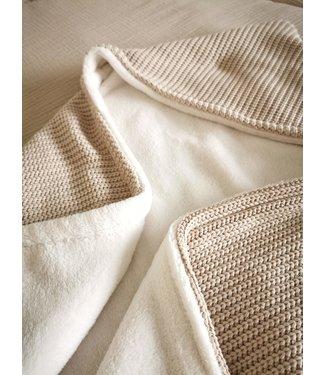 Wikkeldeken Zand Knit & Offwhite Wellness Fleece