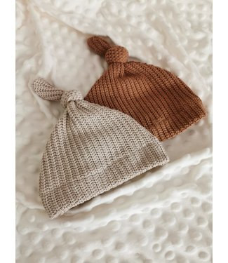 Knotted hat Knit