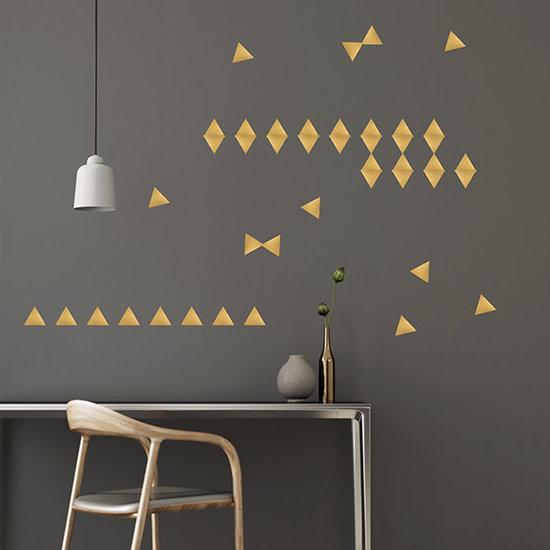 Pom Le Bonhomme Muurstickers driehoekjes goud - Pöm Le Bonhomme - set 72 stickers