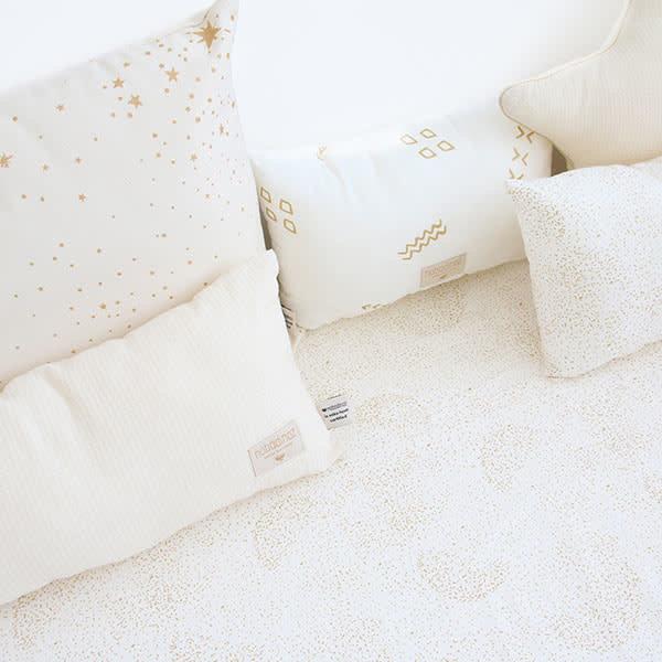 d72a81481bf244 Nobodinoz tipi en accessoires Nobodinoz kussen Laurel - Elements - Gold  Stella - Dream Pink