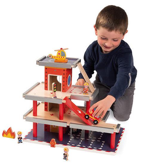 Janod houten speelgoed Fire station - Janod +3 yrs