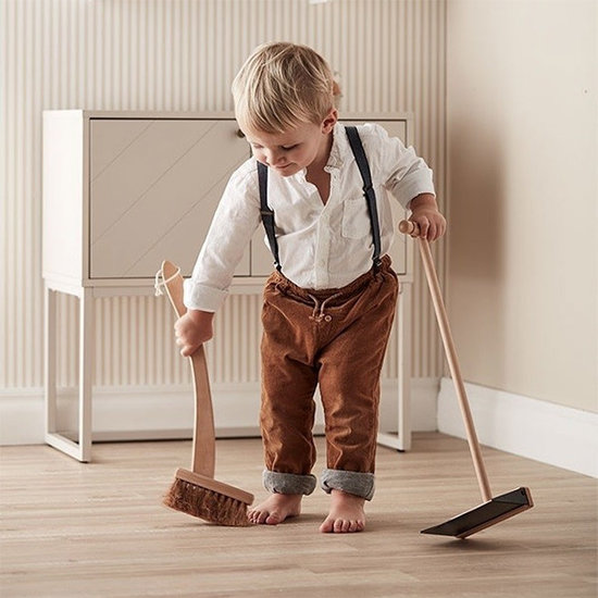Kid's Concept Brush and dustpan - Kids Concept