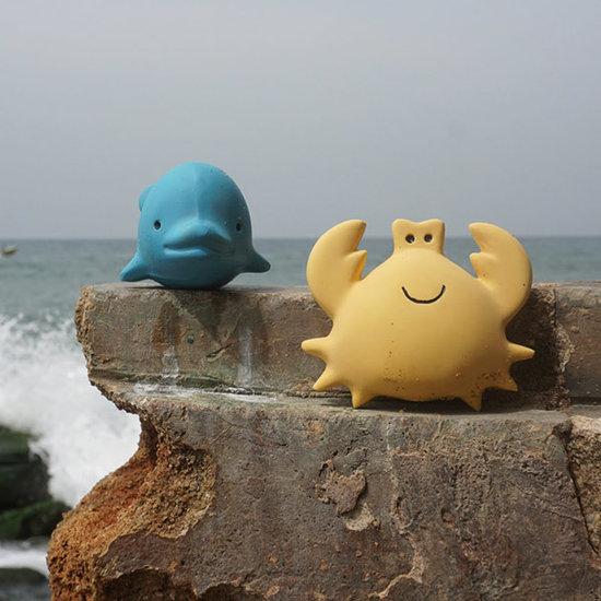 Tikiri Tikiri Badespielzeug mit Glocke Delphin