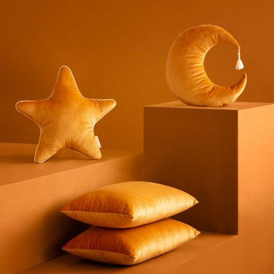 Nobodinoz tipi en accessoires Cushion Pierrot Moon Farniente Yellow - Nobodinoz