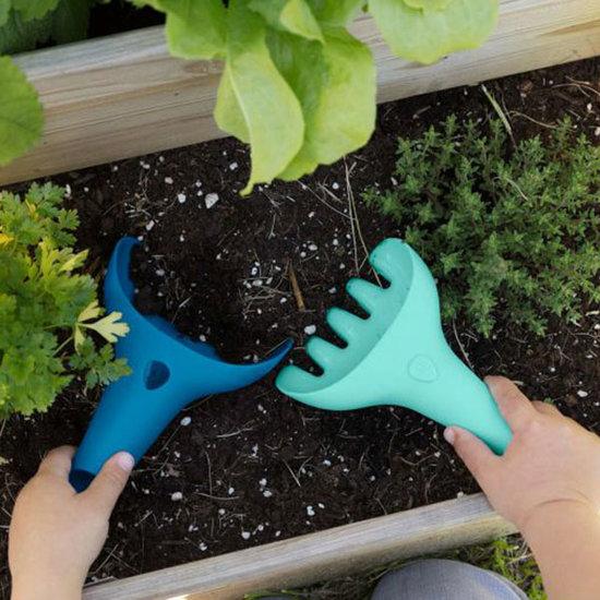 Quut Quut Raki Dark Blue + Green rake and shovel
