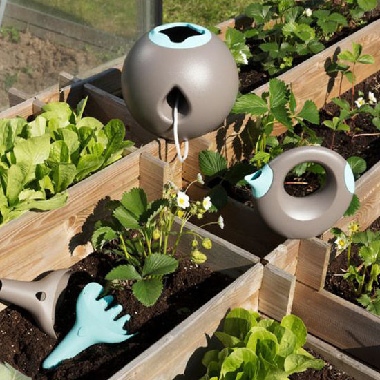 Quut Quut Cana Small Bungee Grey + Blue watering can