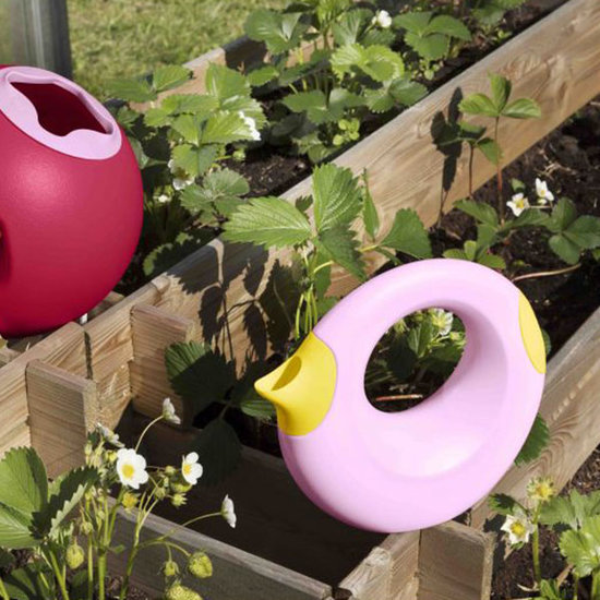 Quut Quut Cana Small Sweet Pink + Yellow watering can