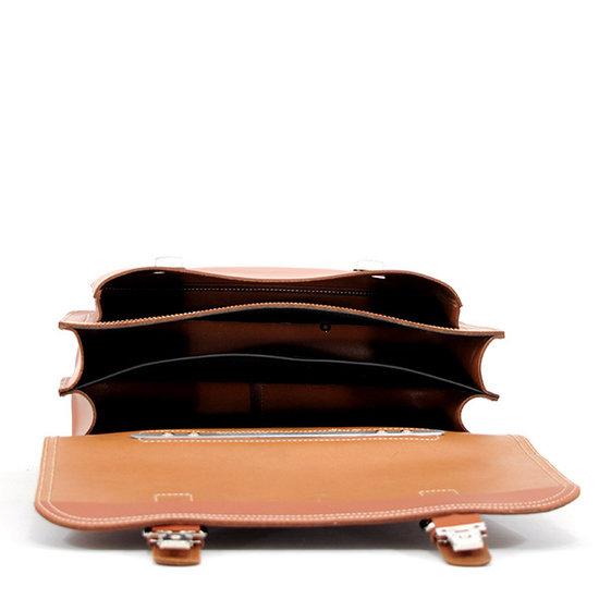 Own Stuff Own Stuff - lederen boekentas chestnut - magnetisch slot