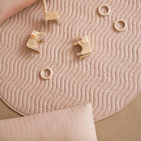 Nobodinoz tipi en accessoires Nobodinoz Kiowa speelmat Bloom pink