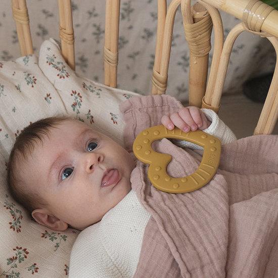 Bibs Bibs Baby Bitie Heart bijtring mustard