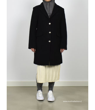 Outfit black cloak