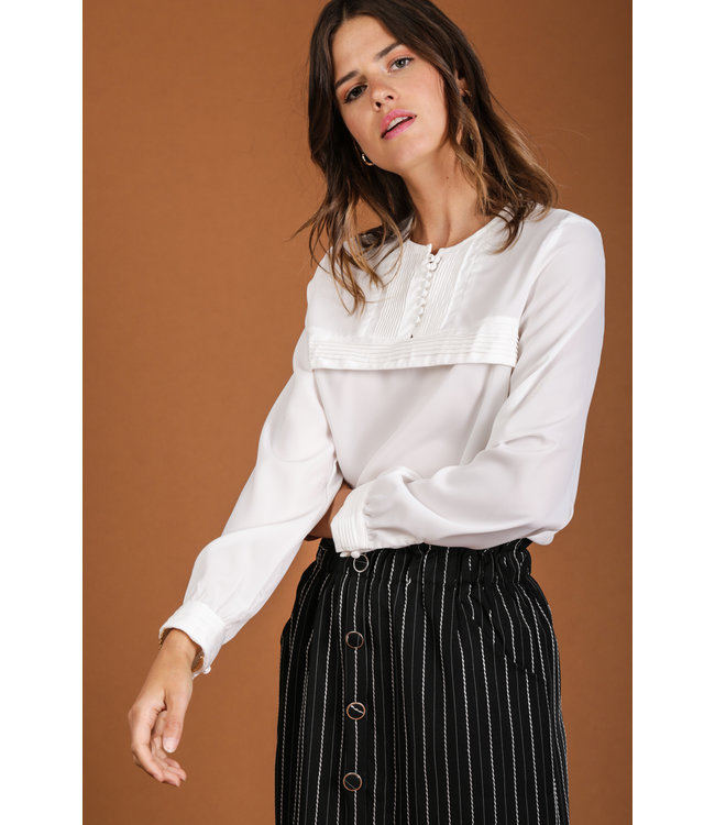 Blouse with pleats - White