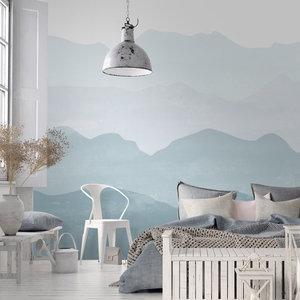 Daring Walls Behang Mountains in fog - soft blue