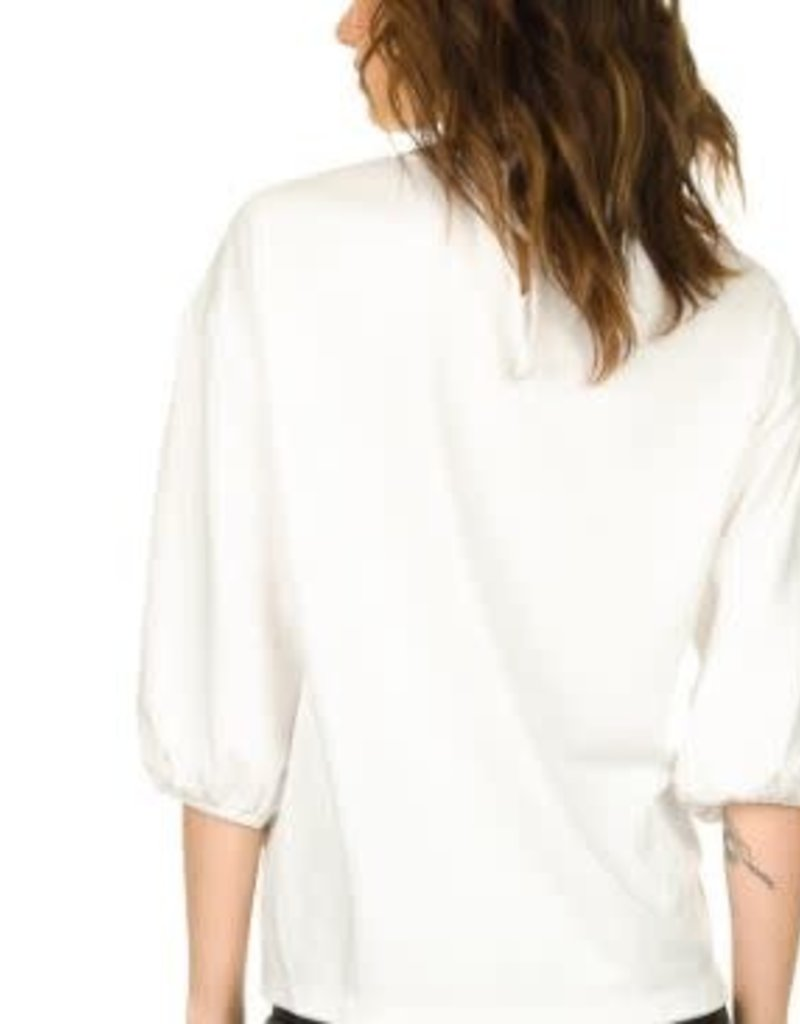 JC Sophie Channing top off white C5038