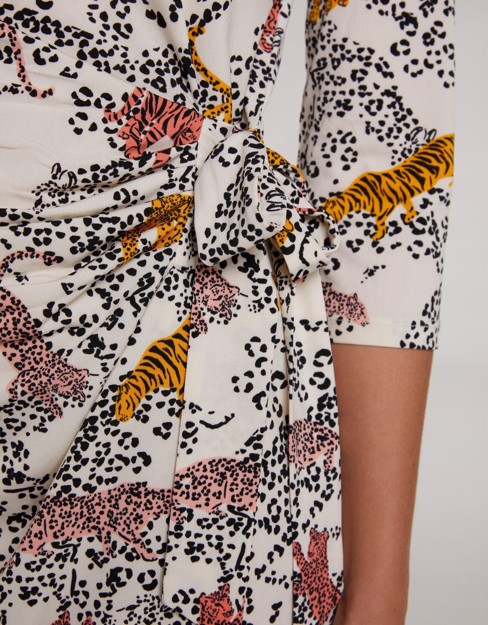 Oui Jurk Travelwear Tijger-Print
