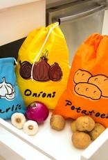 Kikkerland Stay Fresh Onion Bag