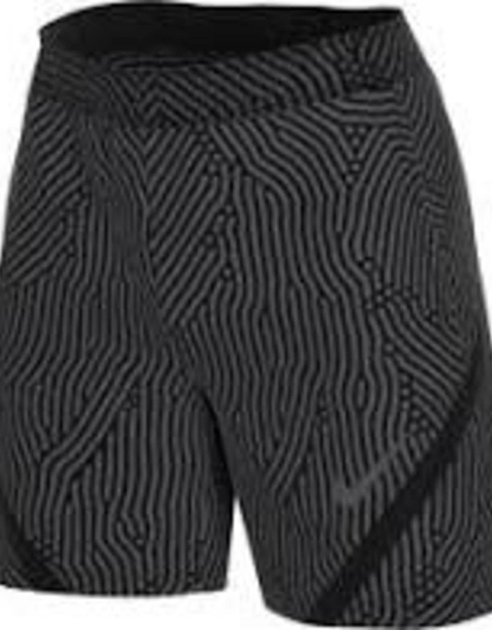 Nike Short strike