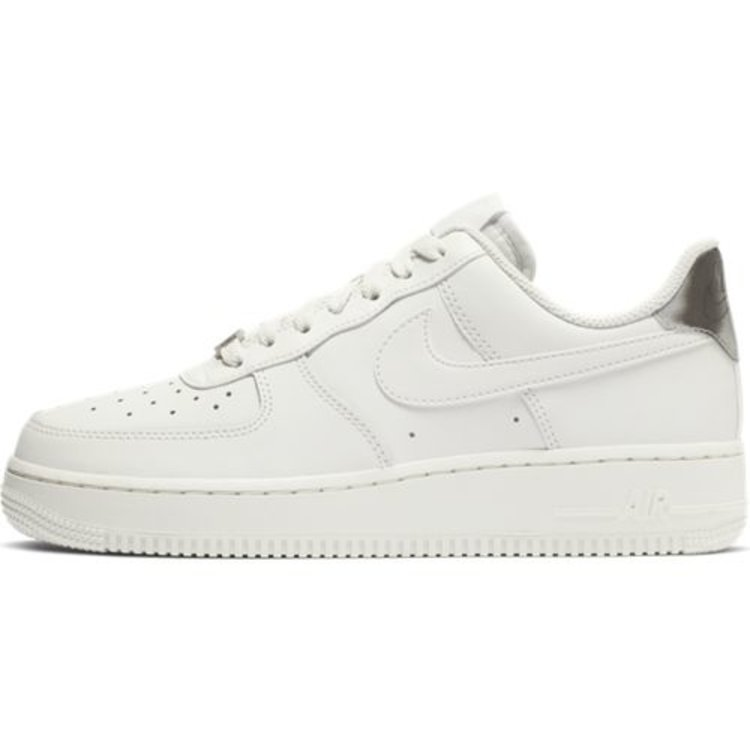 Nike Nike Air Force 1 '07 Essential Platin Weiß