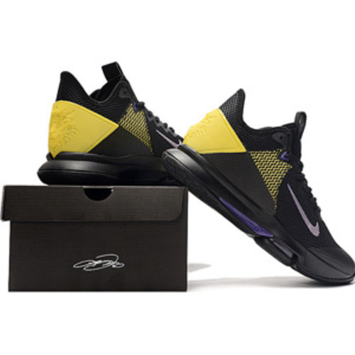 Nike Hallenschuhe