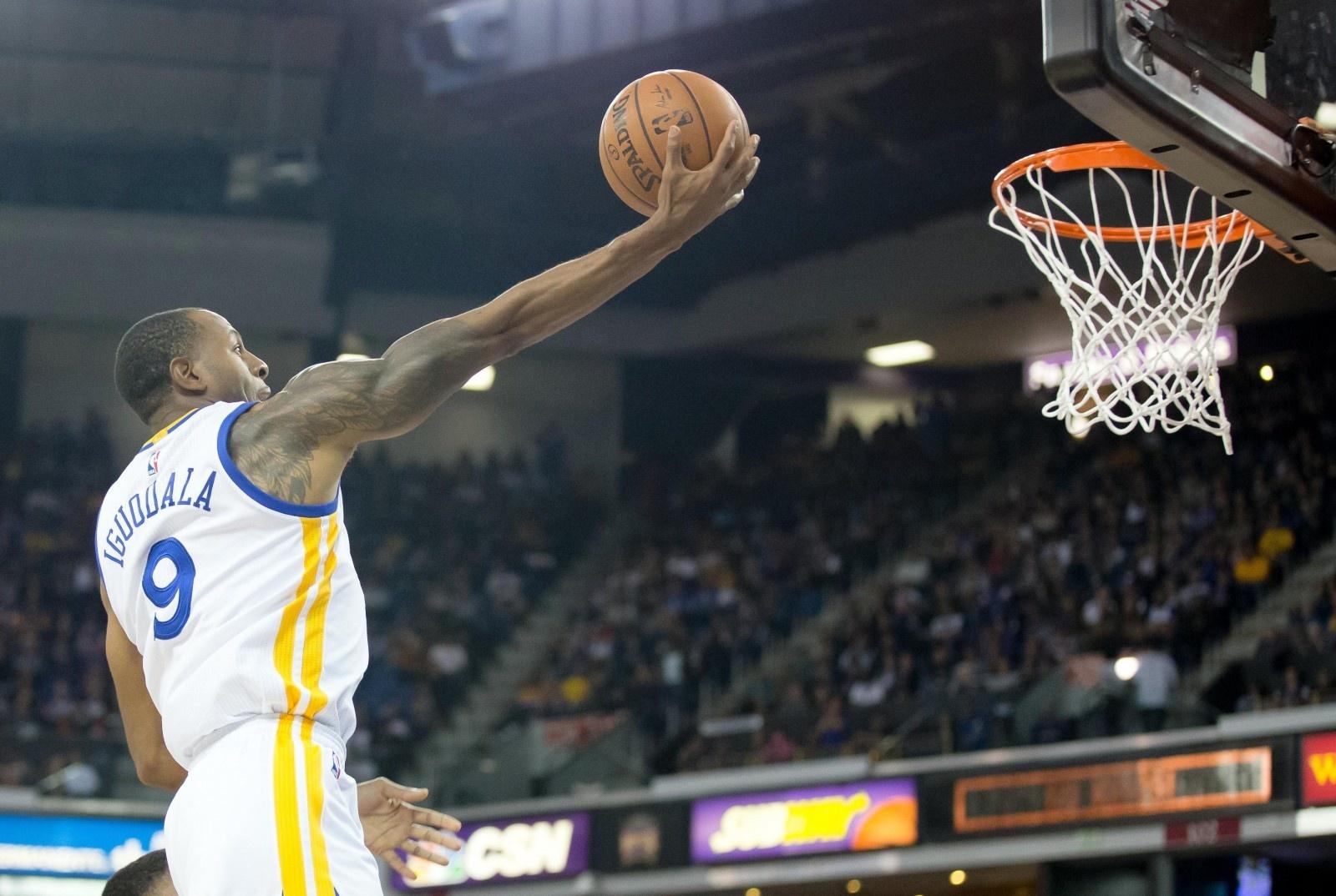 basketball-golden-nba-state-warriors-score-spaldin