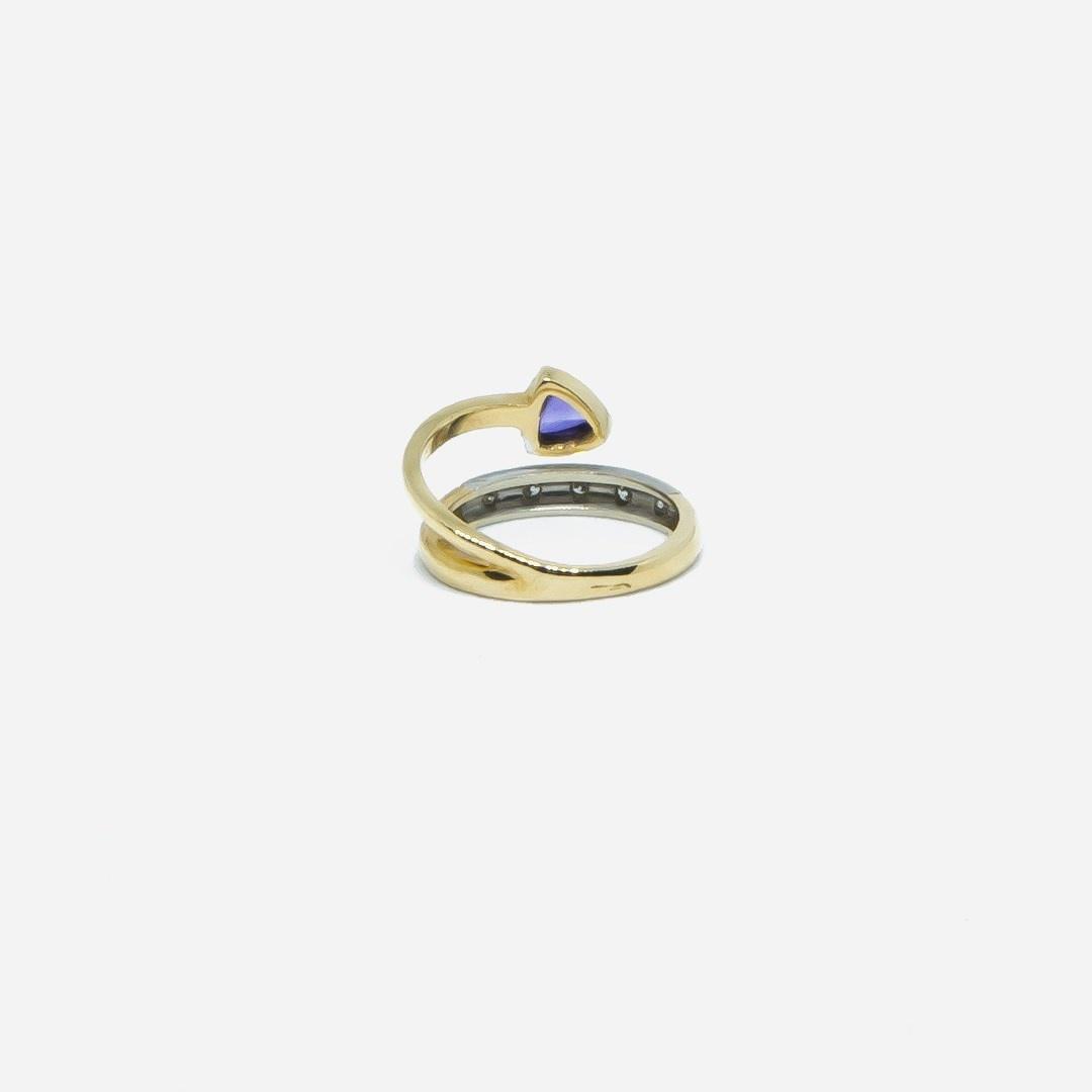Ring bicolor met paars steentje en 5 diamantjes-3