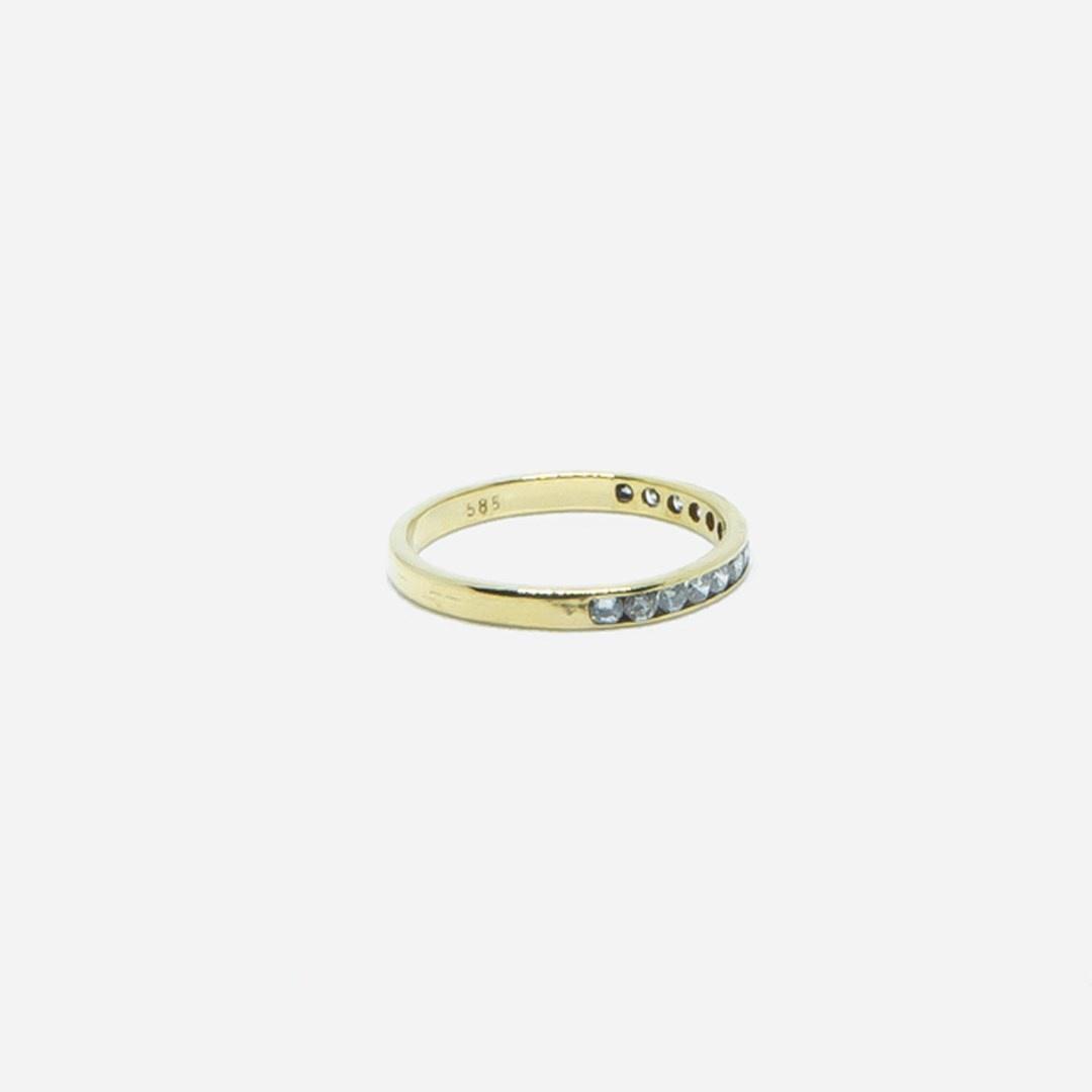 Ring met 1 rij diamantjes-4