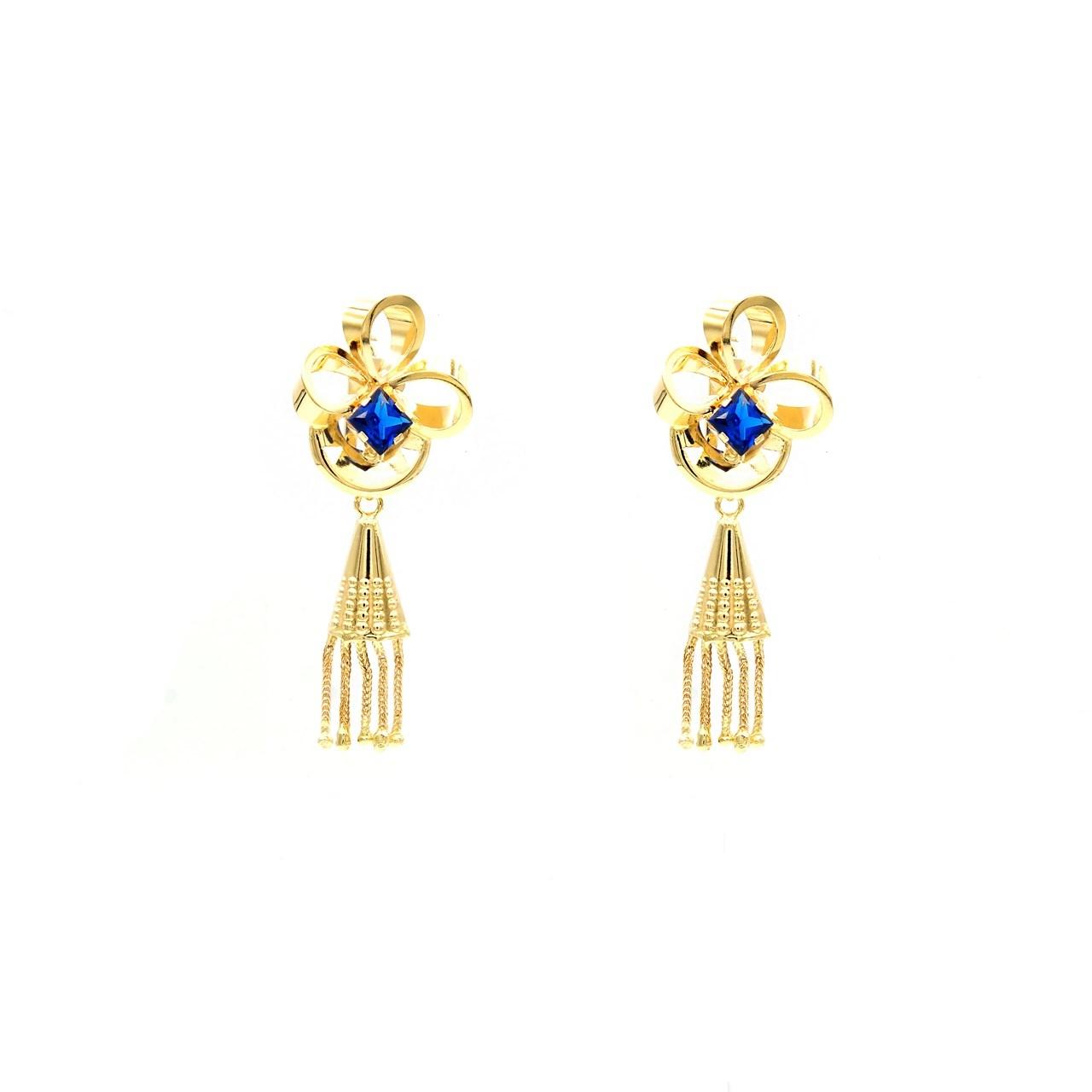 Oorbellen hangers bloem met blauwe steen driehoekje en sliertjes eraan-1