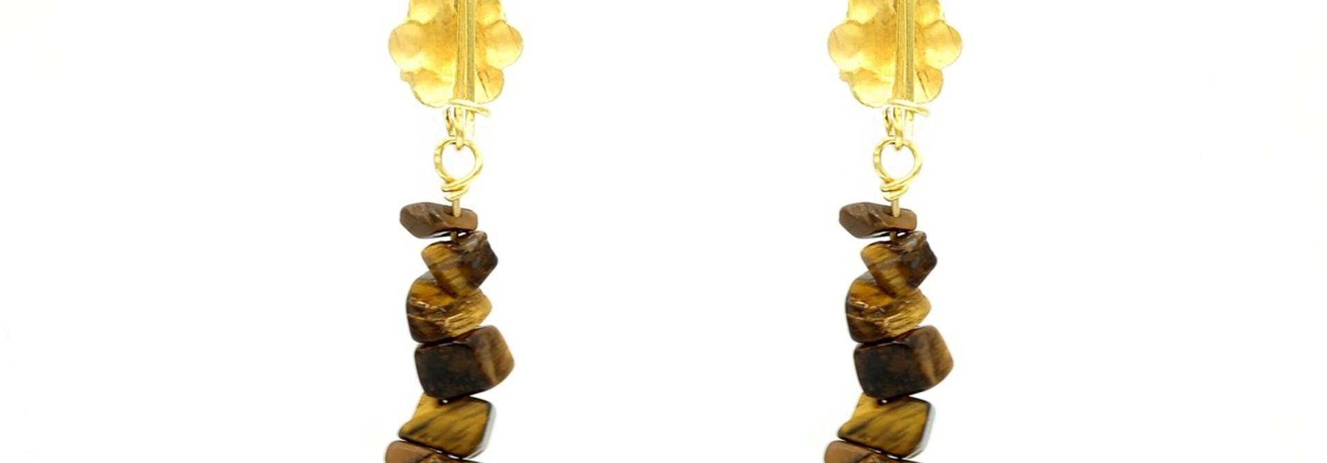 Oorbellen hangers bloem met bruine ongeslepen stukjes steen eraan