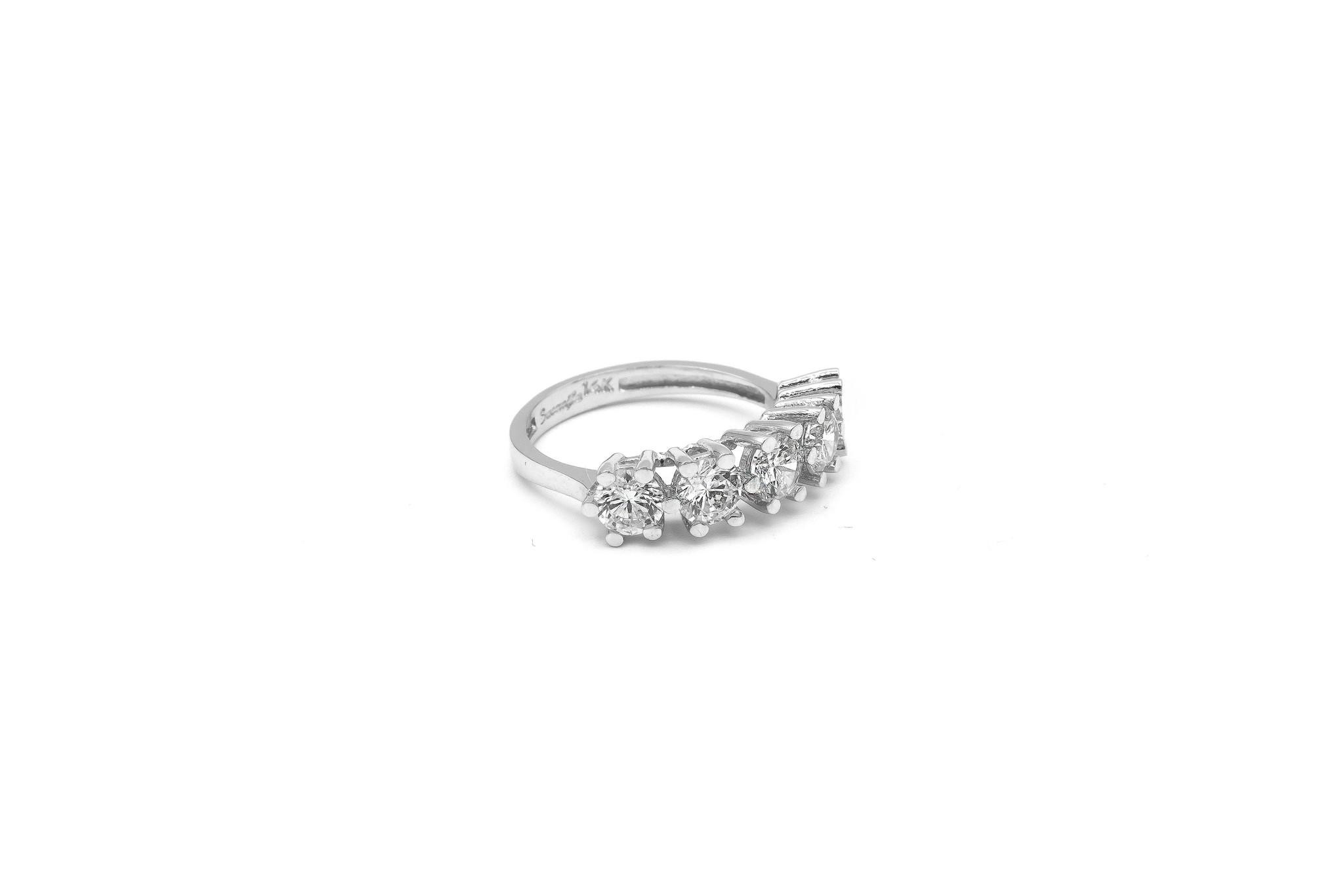 Ring met grote witte stenen witgoud-3
