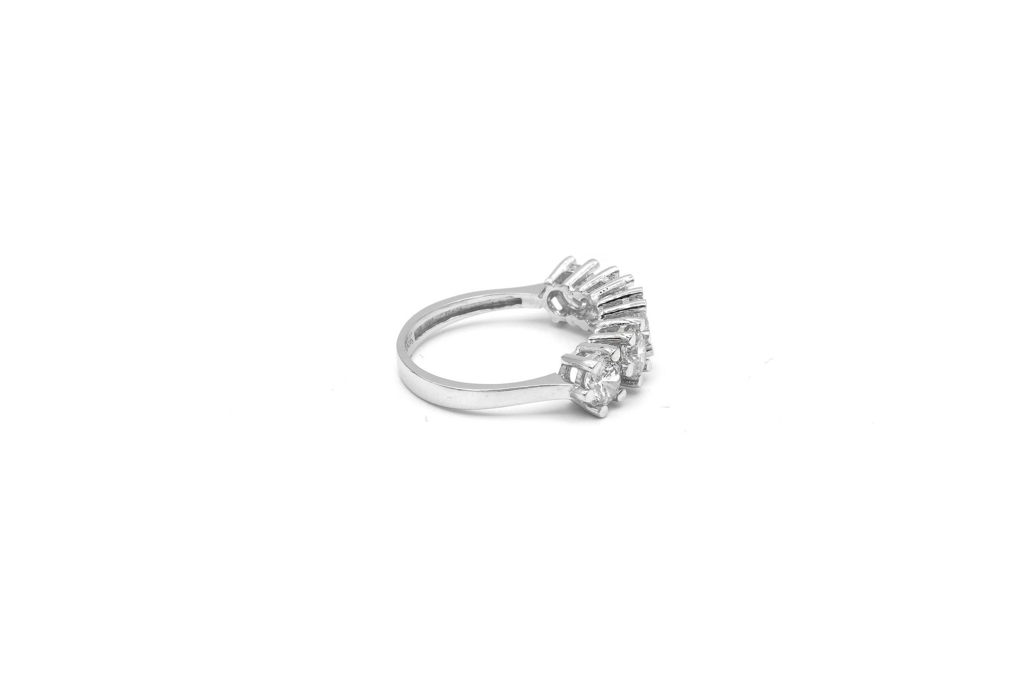 Ring met grote witte stenen witgoud-5