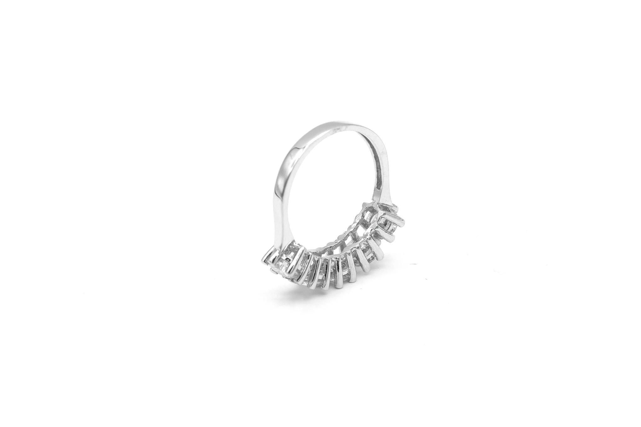 Ring met grote witte stenen witgoud-7