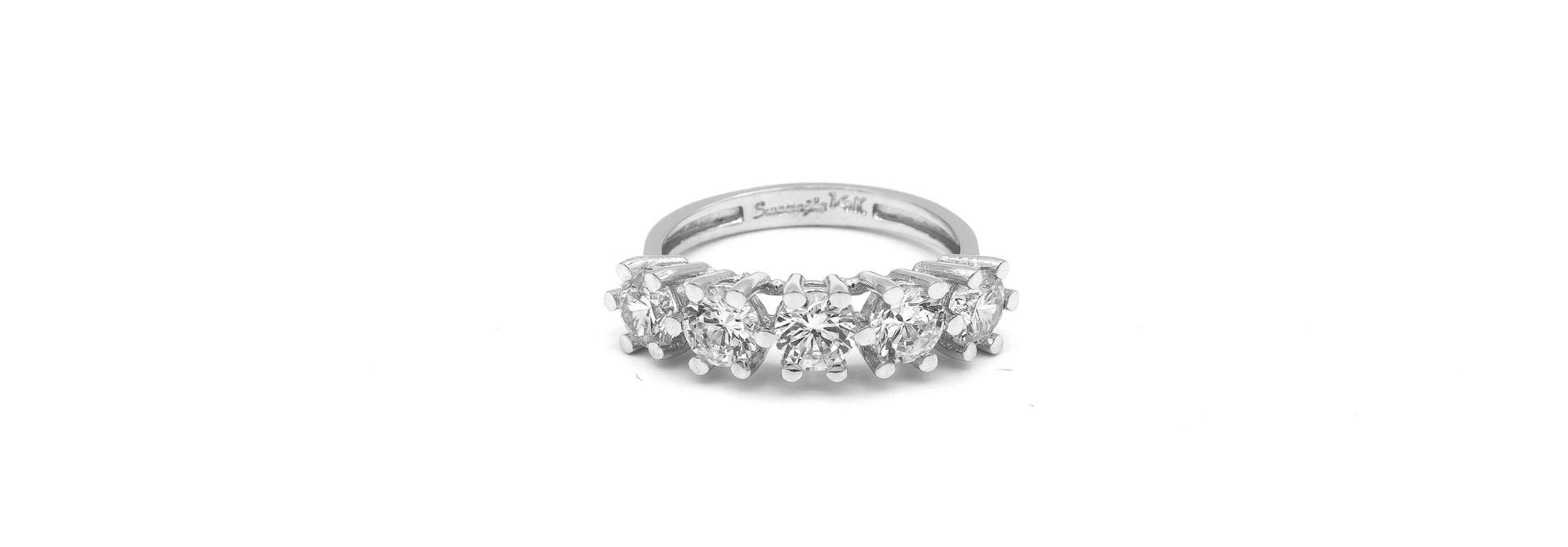 Ring met grote witte stenen witgoud