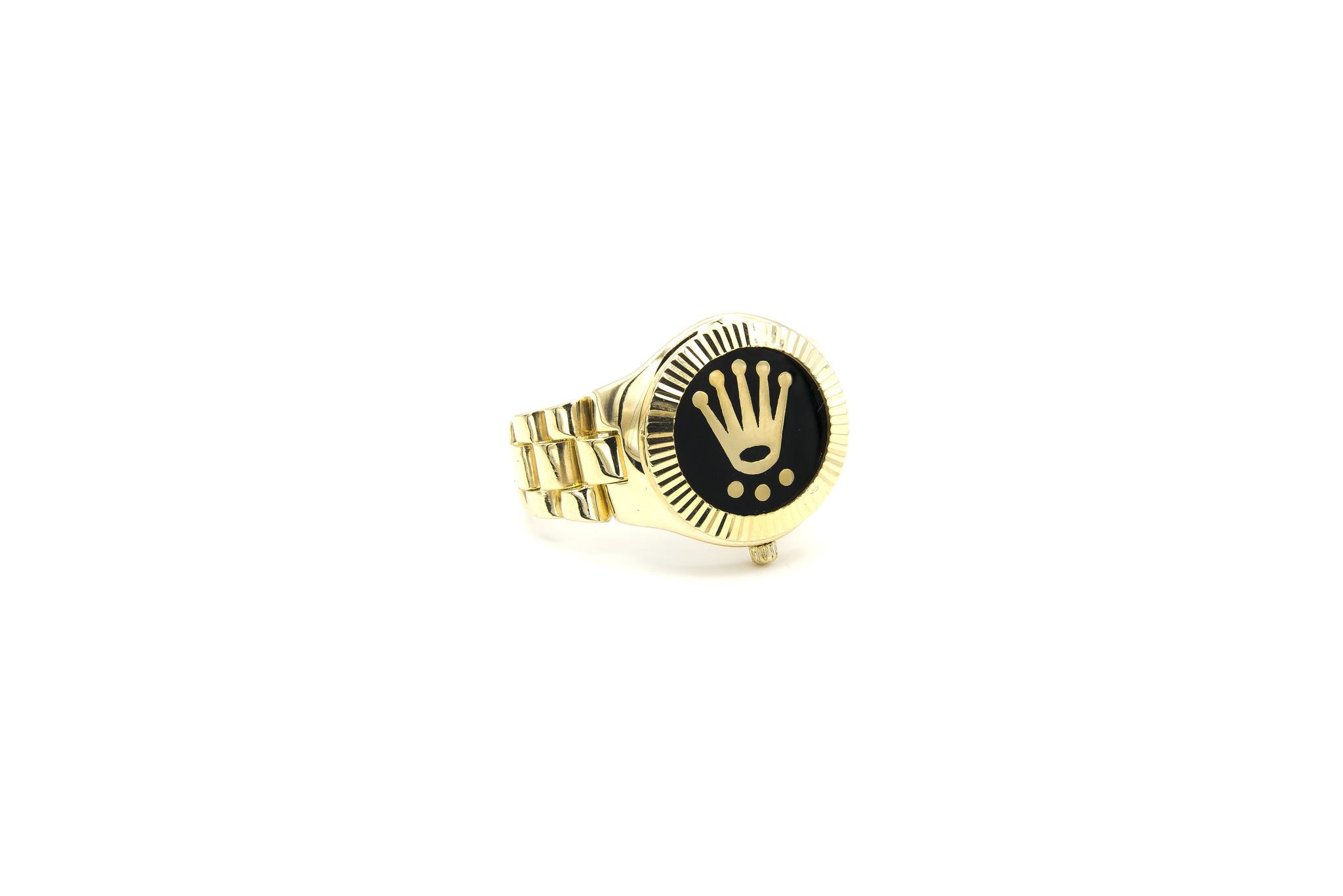 Ring horloge met kroon op zwarte achtergrond met flexibele zijkanten-1
