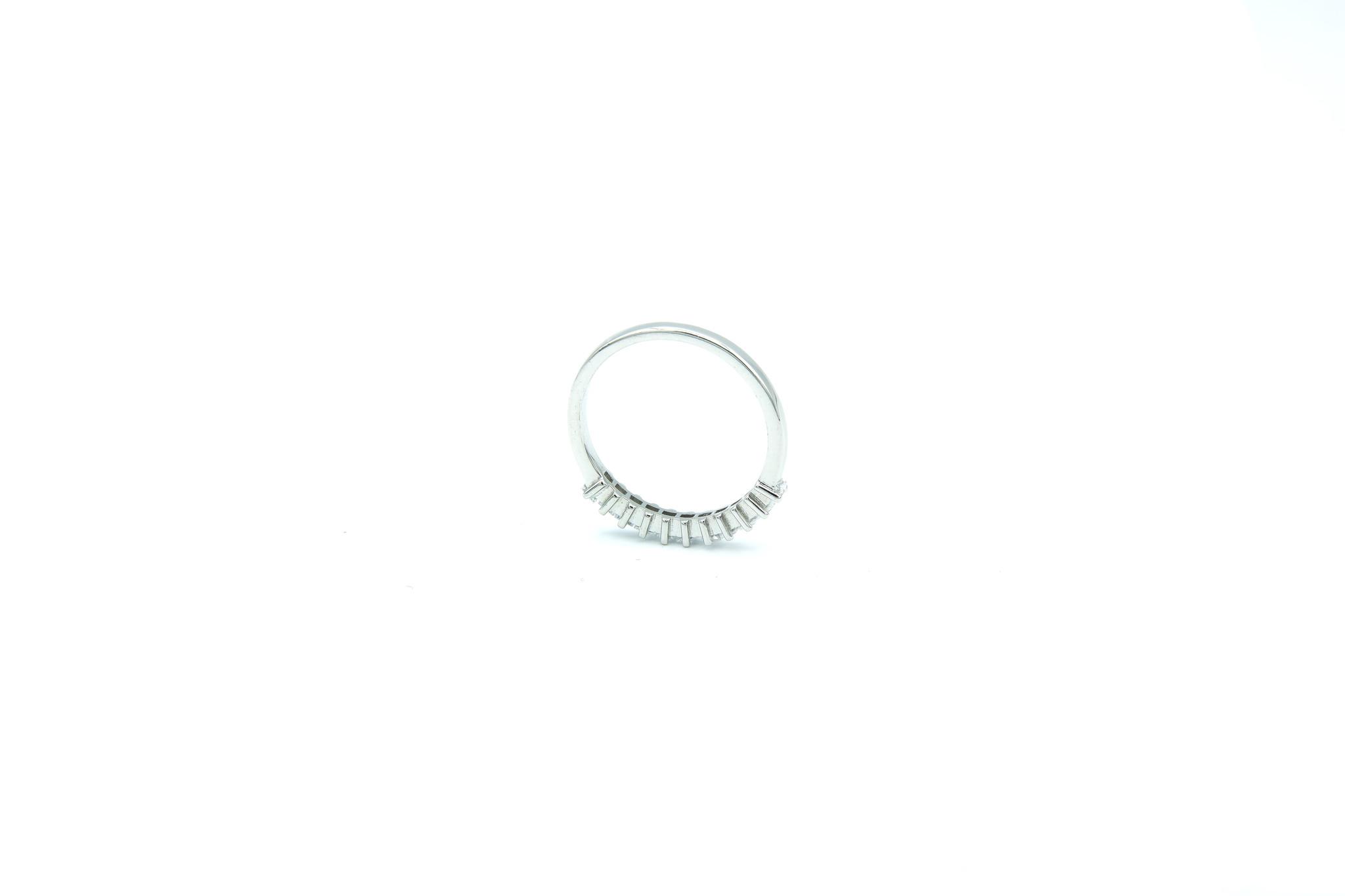Ring met vierkante zirkonia's op een rijtje zilver-2