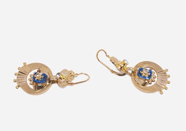 Oorbellen met witte en blauwe steen-3