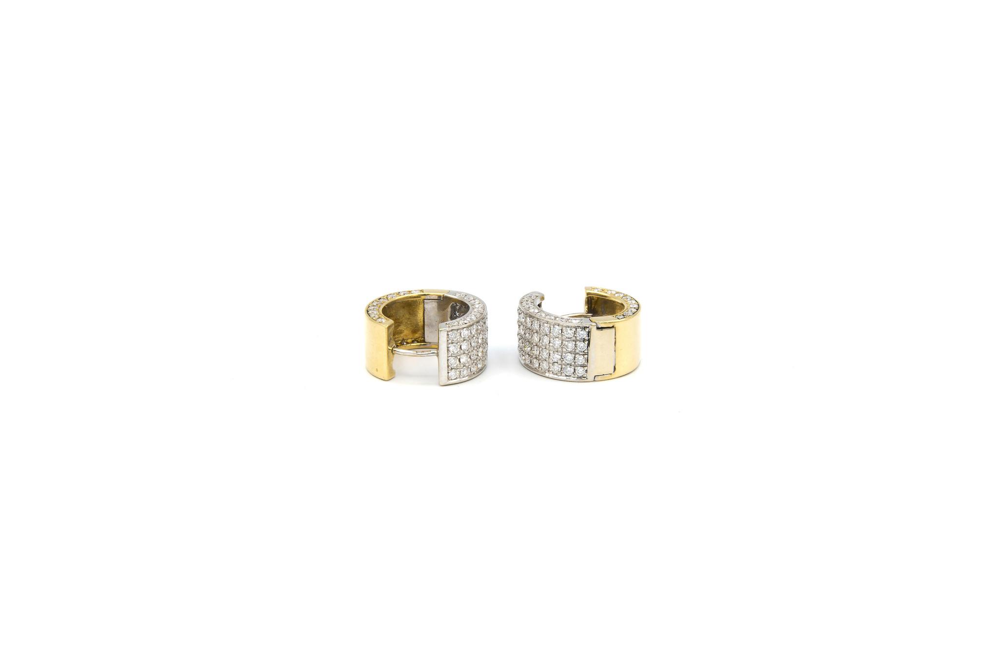 Oorbellen bicolor creolen met in totaal 160 diamantjes-1