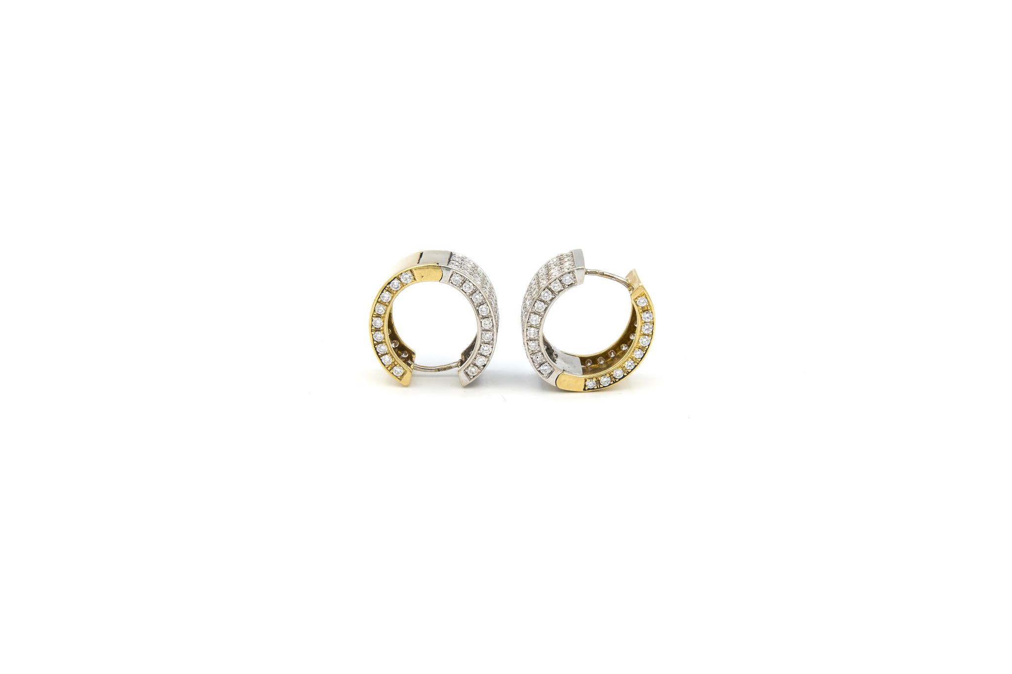 Oorbellen bicolor creolen met in totaal 160 diamantjes-4