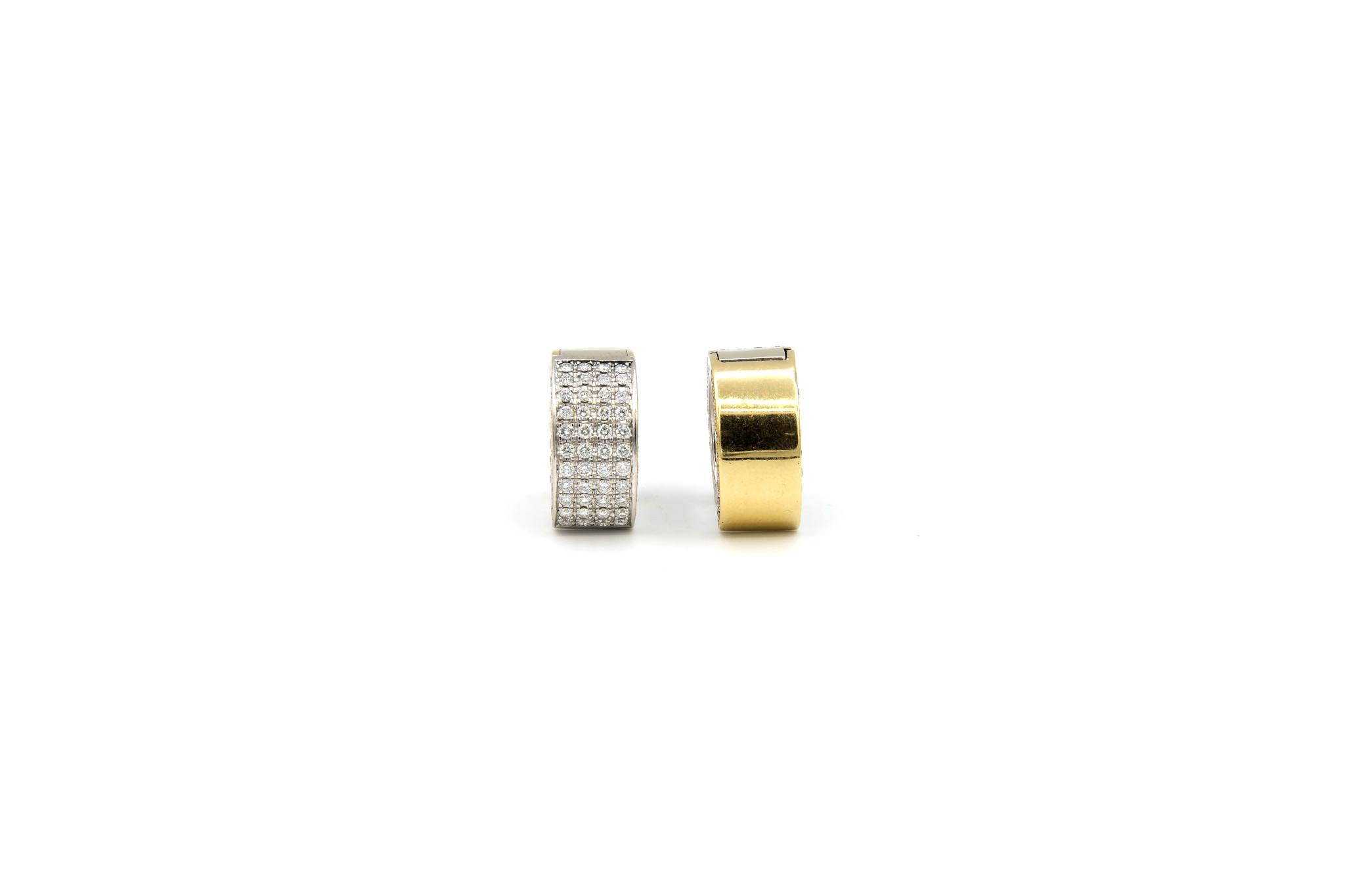 Oorbellen bicolor creolen met in totaal 160 diamantjes-5