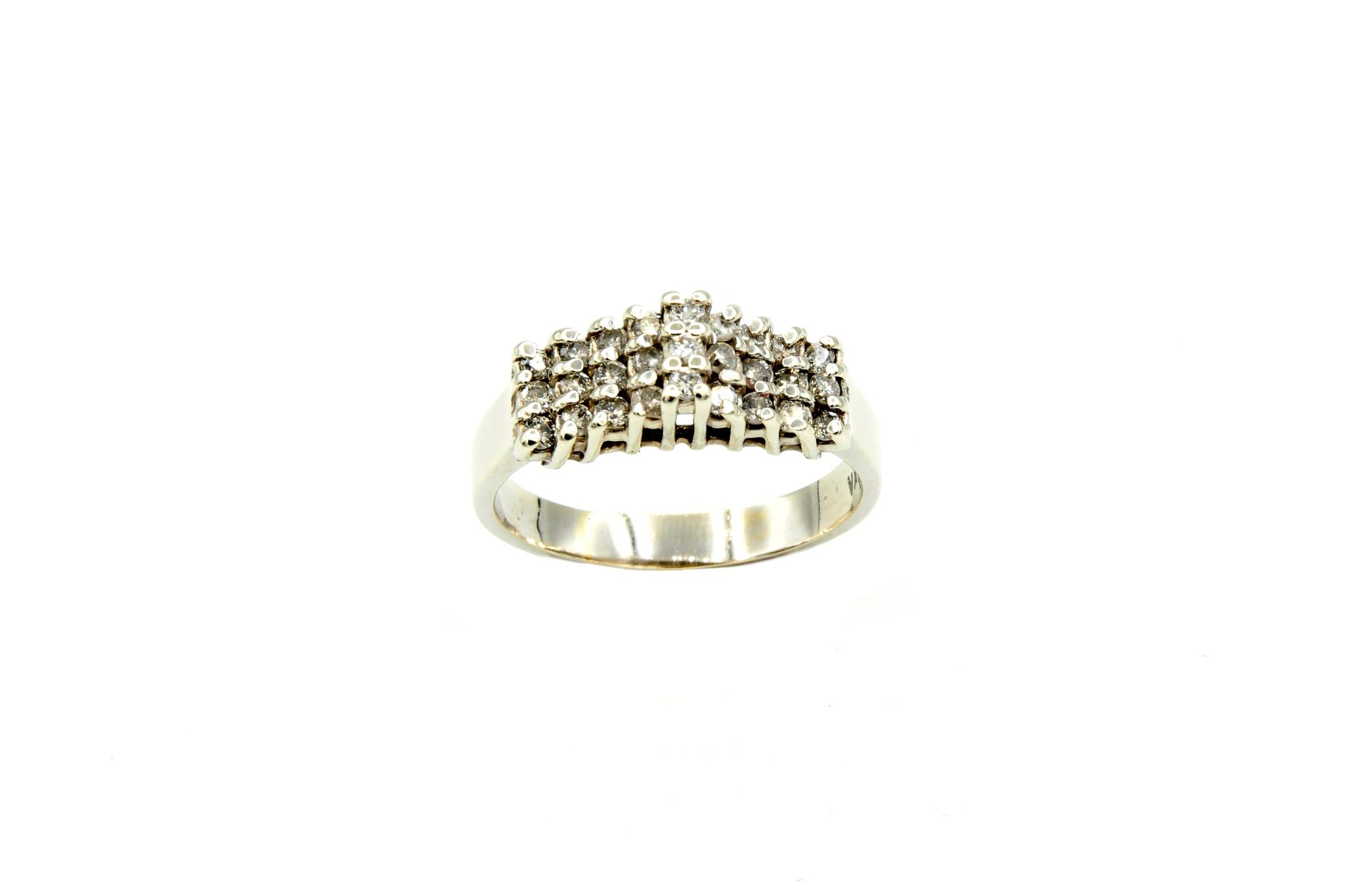 Ring verlovingsring trappetje in punt ingezet met diamantjes witgoud-2