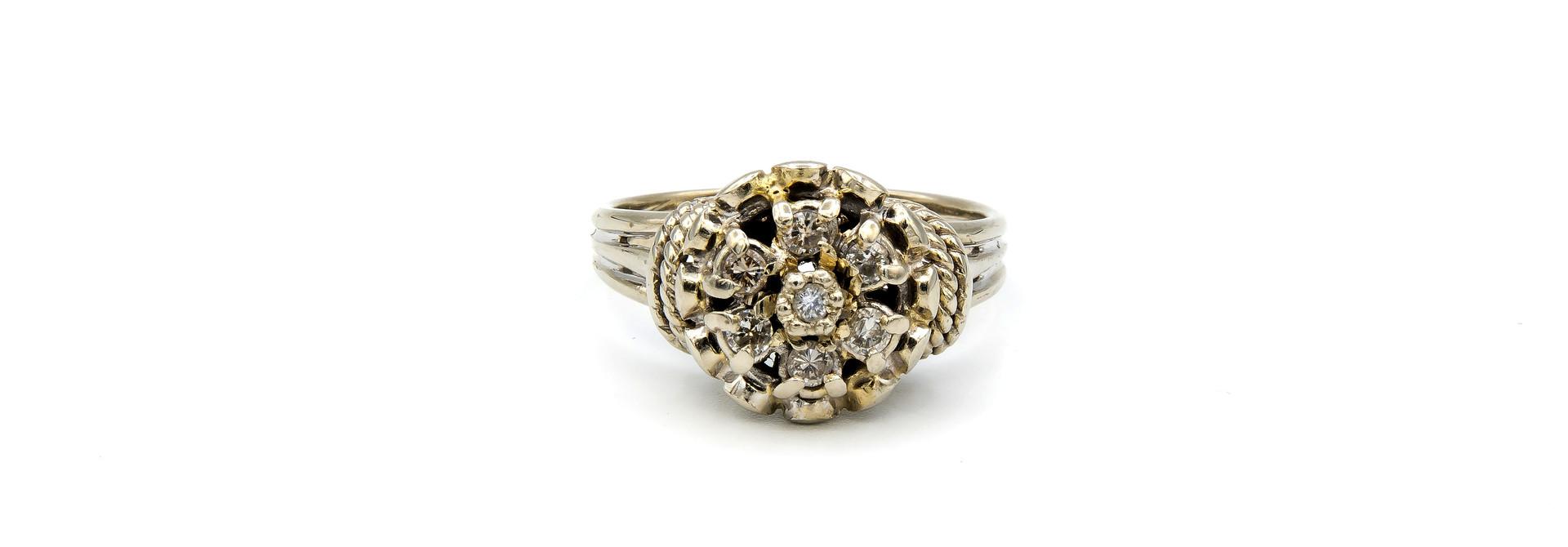 Ring verlovingsring diamant omringd door 6 lager ingezette diamanten witgoud