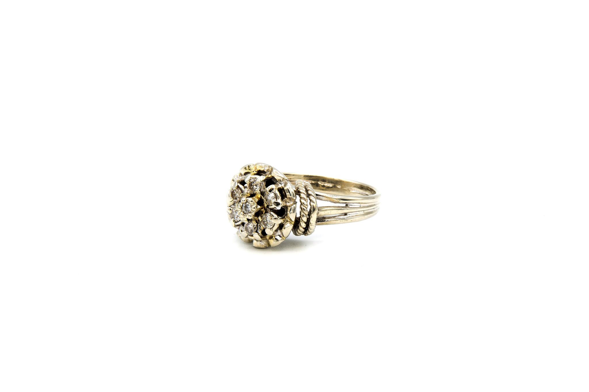 Ring verlovingsring diamant omringd door 6 lager ingezette diamanten witgoud-2