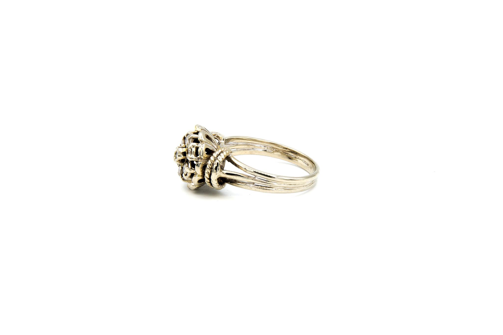 Ring verlovingsring diamant omringd door 6 lager ingezette diamanten witgoud-3