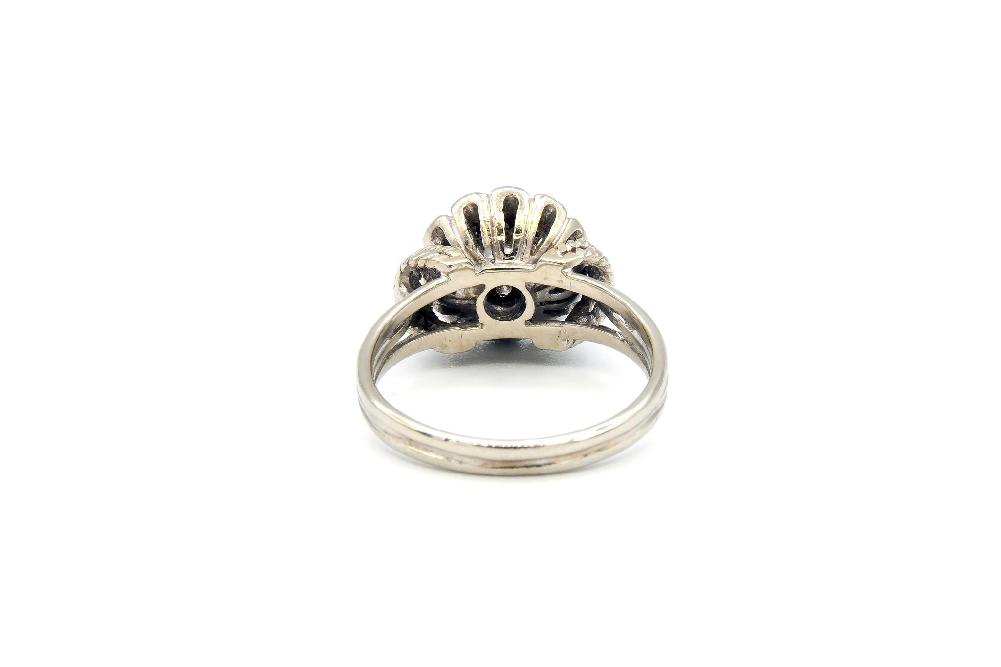Ring verlovingsring diamant omringd door 6 lager ingezette diamanten witgoud-4