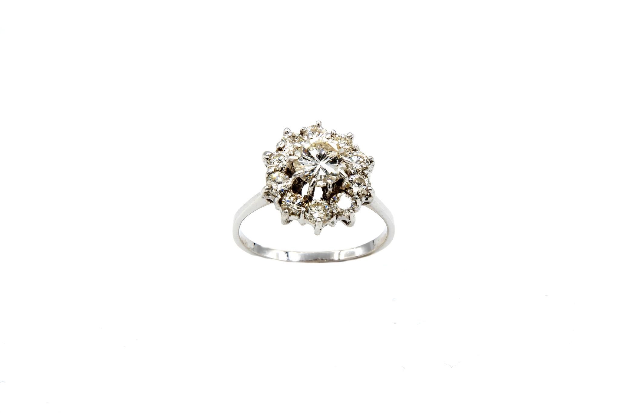 Ring verlovingsring grote synthetische diamant omringd door 10 lager ingezette diamanten witgoud-2