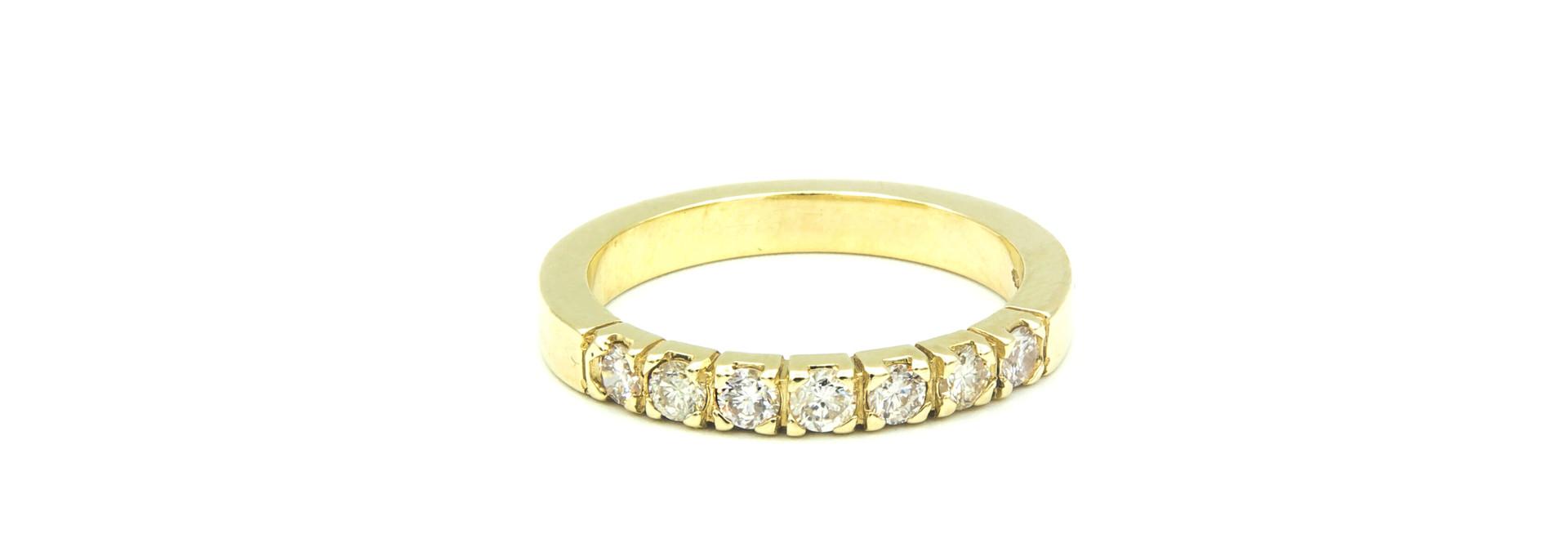 Ring verlovingsring klassiek met 7 diamanten ingezet