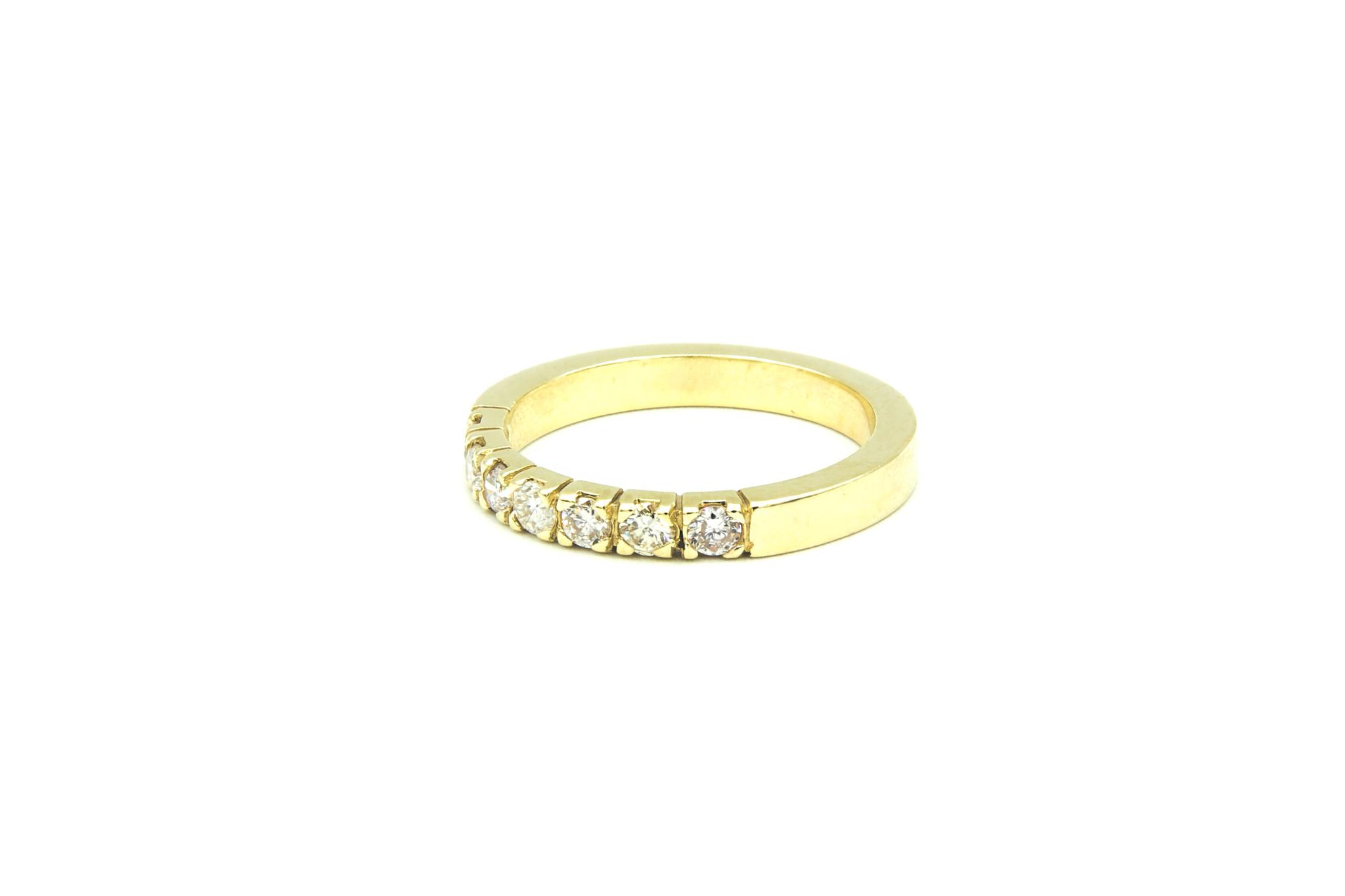 Ring verlovingsring klassiek met 7 diamanten ingezet-2