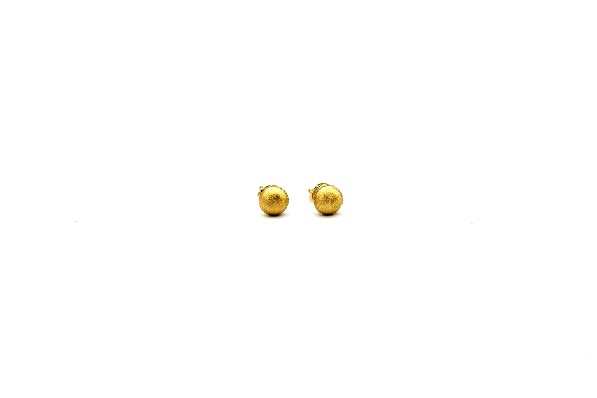 Oorbellen platte gematteerde knopjes-1