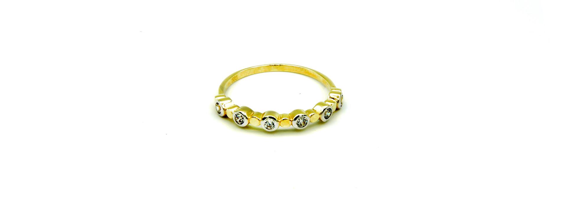 Ring met zirkonia's in rondjes bicolor